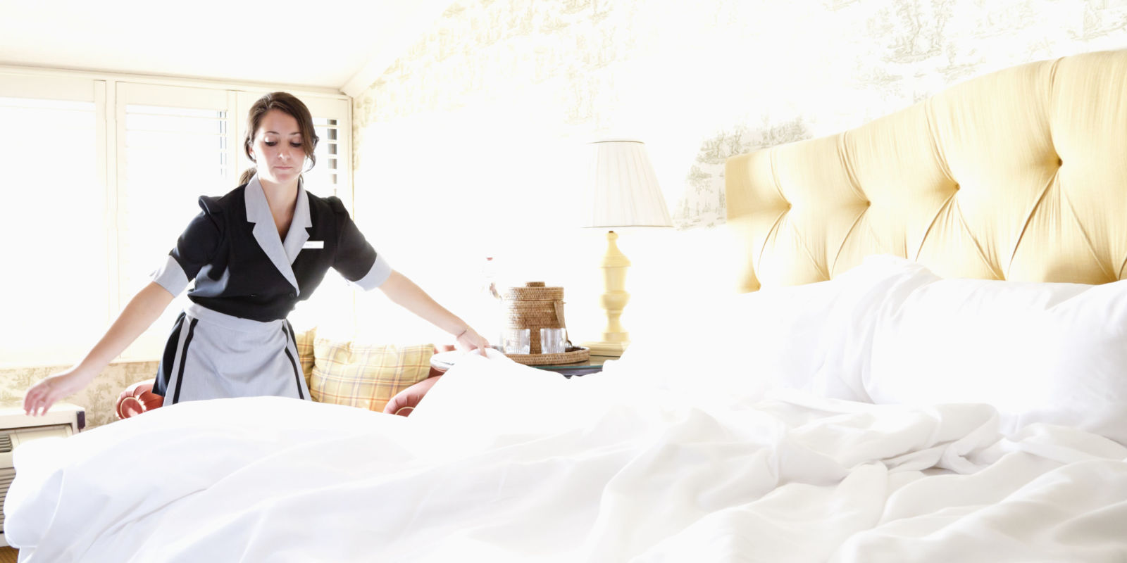 landscape-1435605514-hotel-maids-cleaning-secrets